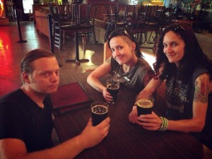 009 - Pre-show drinks at Cozmic Pizza in Eugene, OR